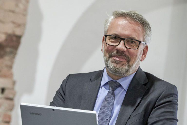 Geschäftsführer: Helge Löffelbein